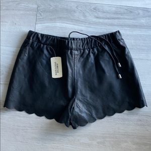 Forever 21 faux leather shorts NWT xs